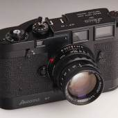 Leica MP schwarz lackiert, Nr. MP-99, 1957 Startpreis: 140.000 EUR Schätzpreis: 250.000 - 300.000 EUR Ergebnis: 408.000 Euro