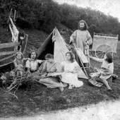 Diefenbach mit Familie bei der Alpenüberquerung, 1895 © Archiv der Spaun-Stiftung, Seewalchen