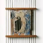 Max Ernst Les cages sont toujours imaginaires, 1925 Gouache auf Gips, auf Mahagoni; Buchenholz mit Kupferstäben, 45 x 26,5 x 5 cm Kunsthaus Zürich, Geschenk Marietta von Meyenburg © 2011 ProLitteris, Zürich
