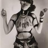 Bildlegende: Horst P. Horst Kostüm für Salvador Dalís «Traum der Venus», 1939 Silbergelatineabzug, 25,4 x 19 cm The Museum of Modern Art, New York Schenkung James Thrall Soby © 2010 Horst P. Horst/Art + Commerce