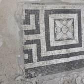 Antikes Mosaikfragment an der Kleinen Neugierde. Foto: Ute Joksch/SPSG