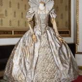 Kostüm Elisabeth I (Roberto Devereux-Gaetano Donizetti), entworfen für KS Edita Gruberova, versteigert für € 9.000