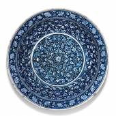 A highly important blue and white Iznik pottery charger, Turkey, circa 1480 (1) © Sotheby's