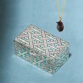 A La Vieille Russie, Inc (stand 110), Carl Fabergé (1846-1920)  Miniature egg pendant and table box