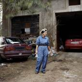 Über Land: Anne Golaz, Mooty, aus der Serie Corbeau, 2004-17 Über Land: Anne Golaz, Mooty, aus der Serie Corbeau, 2004-17 © AnnGolaz, Courtesy: Galerie C