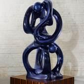 Eternity, 2011. Bronze, Chromoptik 210 x 104 x 112 cm, plinth 126 x 126 x 26 cm. © Anselm Reyle