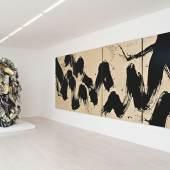 John Chamberlain, Archaic Stooge (No. 21555), 1991 © 2012 ProLitteris, Zürich Fabienne Verdier, Paysage de flux (Horizontales Poliptychon-Projekt als Resonanz auf Willem de Kooning), 2007 © 2012 Fabienne Verdiers Foto: Gaechter + Clahsen, Fotografen, Zürich