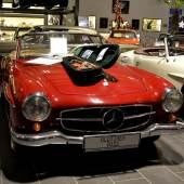Die Geige auf der Motorhaube hat Helmut Zacharias zwar nicht gespielt, diesen Mercedes 190 SL ist der bekannte Musiker aber tatsächlich gefahren. Das Fahrzeug, Baujahr 1961, wird auf den Kunst- und Antiquitäten-Tagen in Münster zu sehen sein.