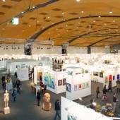"""Blick in die Halle 2 mit dem Skulpturenplatz von """"Die Galerie"""" des Künstlers Aron Demetz Foto: KMK/Jürgen Rösner"""