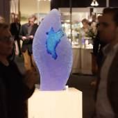 Der zeitgenössischen Glaskunst widmet sich die Sonderausstellung des Glasmuseums in Coesfeld-Lette. Zu sehen sind Höhepunkte der Sammlung, die Lilly Ernsting in 40 Jahren zusammengetragen hat. Foto: Peter Grewer