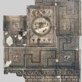 Augusta Raurica: Das grosse Gladiatorenmosaik (6.55 x 9.80 m). Es war 1961 in einer herrschaftlichen Villa gefunden worden. Fotomontage: Ursi Schild. © Augusta Raurica