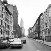 Thomas Struth, West 74th Street, New York, Upper West 1978, 6/10, silver gelatin print, 41,7 x 59,2 cm, Taxe: € 7.500, Ergebnis: € 24.000