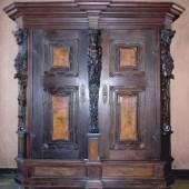 Barockschrank aus Wittelsbacher Besitz um 1700/1715, derzeit im Friedrichsbau des Heidelberger Schlosses
