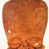 Batcham-Maske, Maske eines Insektengottes, Kameruner Grasland, 19. Jahrhundert, © die LÜBECKER MUSEEN, Foto: Michael Haydn