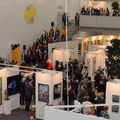 ((Bild Blick auf Eröffnung; Bildnachweis: Messe Sindelfingen)): Viel Publikum war zugegen, als die ARTe 2019 eröffnet wurde.
