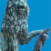 Bronzelöwe vor der Westfassade der Residenz München