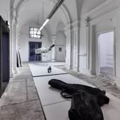 büro- Weltausstellung Erwin wurm foto sandro zanzinger