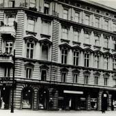 Wohnhaus Kollwitz in der Weißenburger Straße 25 (heute Kollwitzstraße 56) in Berlin Prenzlauer Berg von 1891 bis zur Zerstörung bei einem Bombenangriff am 23.11.1943 Nachlass Kollwitz © Käthe Kollwitz Museum Köln