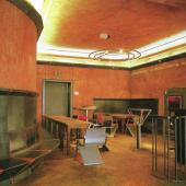 Zum 30. Geburtstag der berühmten documenta 8 gelingt auf der Cologne Fine Art 2017 mit der Neuinszenierung des legendären 'Café Casino' der Künstlergruppe Pentagon eine kleine Sensation. Foto: Bernhard Schaub
