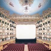 Candida Höfer (geb. 1944) (0-0): Teatro La Fenice di Venezia, II, 2011, Candida Höfer, Köln