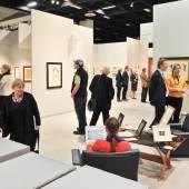 """Impression von der Cologne Fine Art 2011, Themenbereich """"Arbeiten auf Papier"""""""