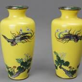Paar Cloisonnee Vasen Japan, Ende 19. Jh. Meiji Periode, Höhe: 15 cm Foto: © Galerie Darya