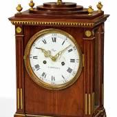 Klassizismus Stutzuhr Gehäuse David Roentgen-attr. um 1780 - 1795 | Mahagoni Taxe: 4.000 – 6.000€