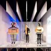 """Aussstellung Versuchsstätte Bauhaus. Die Sammlung"""" imBauhaus Museum Dessau, Ausstellungsgestaltung: chezweitz, Berlin / Stiftung Bauhaus Dessau, Foto: Thomas Meyer / OSTKREUZ"""