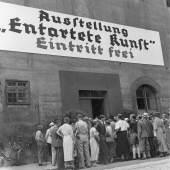"""Ausstellung """"Entartete Kunst"""" München, 1937 Stadtarchiv München, DE-1992-FS-NS-00171"""