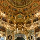 Bildtitel: Markgräfliches Opernhaus Bayreuth nach der Restaurierung, Zuschauerraum, Blick auf die Fürstenloge, die Ränge und die Decke