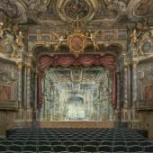 Bildtitel: Markgräfliches Opernhaus Bayreuth nach der Restaurierung, Blick zur Bühne mit neu rekonstruiertem Bühnenbild  Foto: Achim Bunz