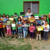 """((Bild DSCN 9436; Bildnachweis: Christin Feilmeier)): Kunstunterricht in der Grundschule von La Curva, Nicaragua: Das Bildungsprojekt """"Artepintura"""" profitiert von der diesjährigen Charity-Aktion ART4Kids."""