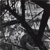 Riesenrad im Prater, Wien, 1931 Edith Tudor-Hart Neuer Silbergelatine-Abzug, 29,3 × 29,2 cm © Scottish National Portrait Gallery / Archive presented by Wolfgang Suschitzky 2004