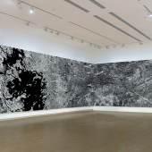 Ellen Harvey, The Mermaid: Two Incompatible Systems Intimately Linked (Installationsansicht von 3/5 des Gemäldes im Aldrich Contemporary Art Museum), 2020, Foto: Aldrich Contemporary Art Museum