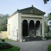 Vor der Instandsetzung: die Kleine Neugierde im Schlossgarten Glienicke in Berlin. Foto: Jörg P. Anders/SPSG