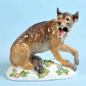 """Figur - Wolf """"Schwerter Meissen"""" Porzellan, farbig gefasst, auf Sockel, H= 15 cm, Entwurf Peter Reinicke, Modell-Nr. """"1243"""", um 1900 Mindestpreis:600 EUR"""