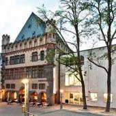 Ansicht   Frankfurter Kunstverein am Abend (c) fkv.de