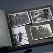 Fotoalbum  Fotoalbum mit Aufnahmen von der Nordfront (2. Weltkrieg) Foto: UMJ / N. Lackner