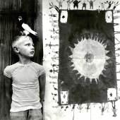 Padhi Freiburger, Jawo mit seiner Zeichnung Schloss Hagenberg, Fallbach, um 1964