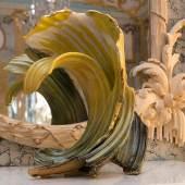 Keramikobjekt des Künstlers Karl Fulle im Muschelsaal. Foto: SPSG/Leo Seidel