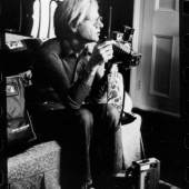 G. Malanga Andy Warhol and his media toys 1971 © Gerard Malanga courtesy galerie Caroline Smulders