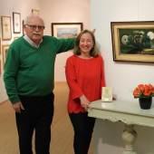 Ein eingespieltes Team: Gemeinsam mit seiner Tochter führt Gernot Rudolf seit 42 Jahren seine Galerien auf Sylt. 2019 ist er nach längerer Pause wieder auf der KUNST&ANTIQUITÄTEN MÜNCHEN mit einem Stand vertreten. Foto: Galerie Rudolf