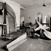 Das Atelier von Joseph Beuys im Friedrich-Wilhelm-Bad Photographie von Fritz Getlinger, 1958 © VG Bild-Kunst, Bonn, für Joseph Beuys