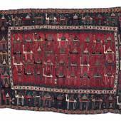 Lot Nr 164 Schadda Flachwebe, Südostkaukasus, ca. 163 (180) x 227 cm, Mitte 19. Jh., faszinierendes Stück mit Kamelkarawane, von südostkaukasischen Nomaden als Hochzeitsdecke gefertigt Schätzwert € 10.000 - 15.000 Copyright Dorotheum