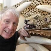 Elefanten und Leoparden stehen an erster Stelle im Washingtoner Artenschutzabkommen von 1975. Doch das Elfenbein und das Fell, das Detlef Jentsch versteigern wird, sind bereits 1972 in Deutschland eingeführt worden und damit handelbar. Foto: Carsten Borgmeier
