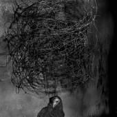Twirling wires, 2001 aus der Serie Shadow Chamber © Roger Ballen