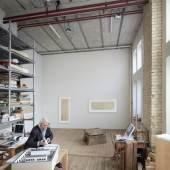 Hans Danuser in seinem Zürcher Atelier Fotografie: Ralph Feiner