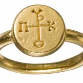 LotNo 1770 Excellently worked gold ring byzantine 6th century AD