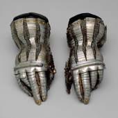 Handschuhe der Tunis Garnitur Kaiser Karls V. (3.1 MB) Desiderius Helmschmid (1513–1579), Plattner Augsburg, um 1535 © Kunsthistorisches Museum
