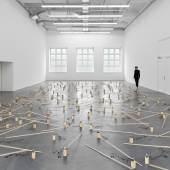 Zimoun, 191 prepared dc-motors, 39 kg wood, 2021. Installation view Museum  Haus Konstruktiv, 2021. Photo: Stefan Altenburger